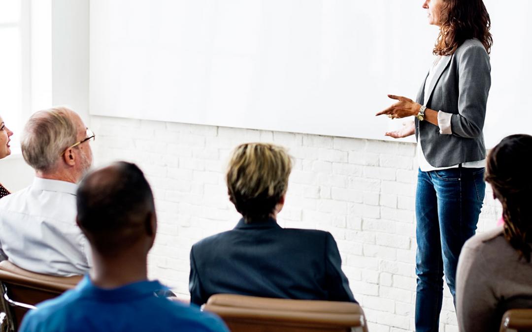 Marketing pessoal da vendedora direta: aprenda a se destacar e conquiste mais clientes