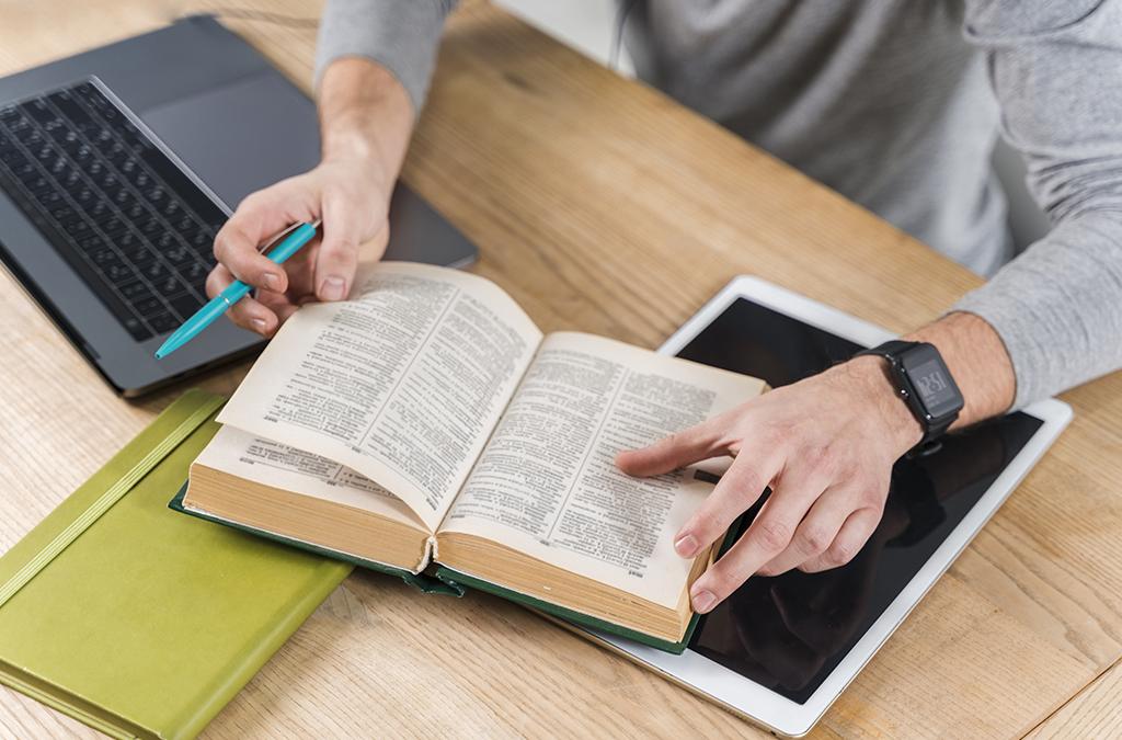 Dicionário do franqueador: conheça os principais termos do segmento